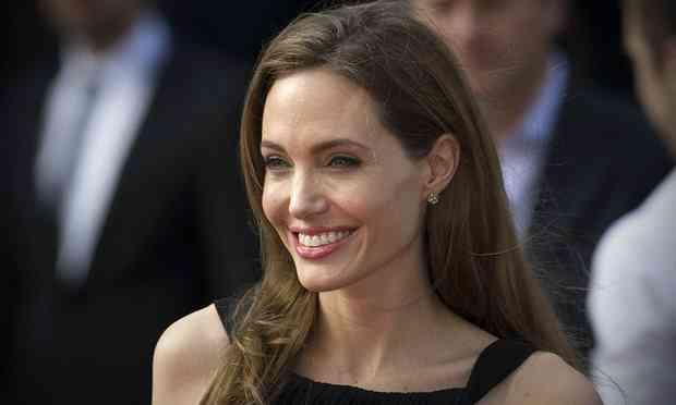 Glamorous Actresses-Angelina Jolie