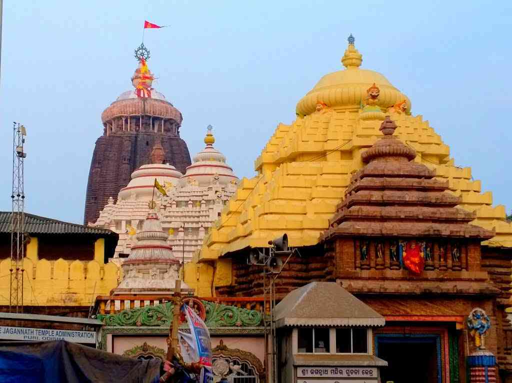 Top 10 Most Richest Temples in India