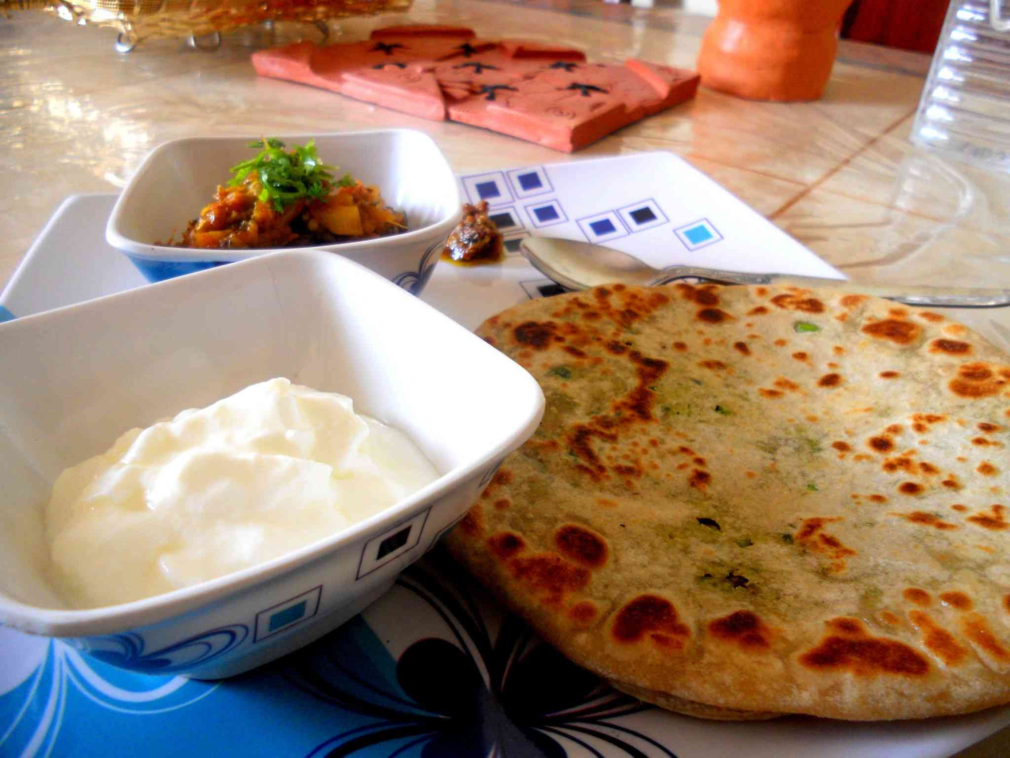 http://comedymood.com/top-10-mouth-watering-food-delhi-must-try